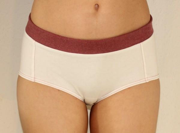 Elke Otto Unterhose in Hipster-Form aus Bio-Baumwolle mit extra breitem, weichem Bund an der Oberkante.